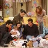Friends: Η «μικρή Emma» απάντησε στο διάσημο αστείο του Chandler για το έτος 2020