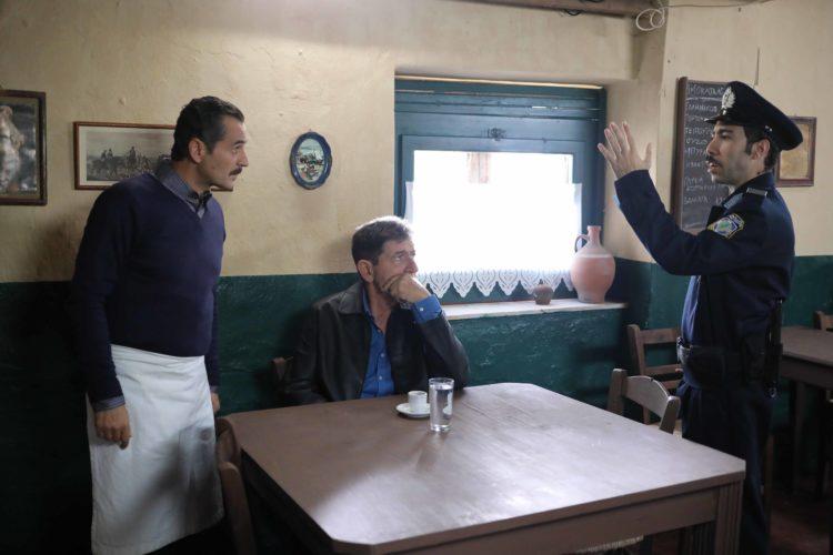 Το Καφέ της Χαράς: Συνεχίζει να σαρώνει στους πίνακες τηλεθέασης