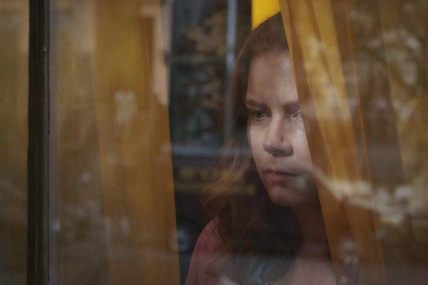 «Η Γυναίκα στο Παράθυρο» (The Woman in the Window) στους Κινηματογράφους
