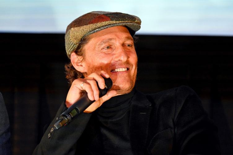 Ο Matthew McConaughey ενθαρρύνει τους θεατές να επιστρέψουν στις κινηματογραφικές αίθουσες