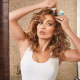 Δείτε την Jennifer Lopez να ποζάρει με τα δυο της παιδιά