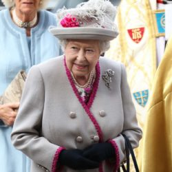 """Ο Κορονοϊός """"χτύπησε"""" και το παλάτι της βασίλισσας Ελισάβετ"""