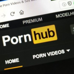 Κωφός έκανε μήνυση στο Pornhub γιατί δε βάζουν υπότιτλους στα ερωτικά βίντεο