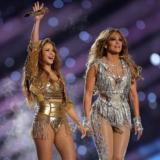 Δείτε την Jennifer Lopez να παραδίδει μαθήματα χορού στη Shakira