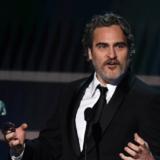 Joaquin Phoenix: Η αντιρατσιστική ομιλία του στα Bafta που καταχειροκροτήθηκε