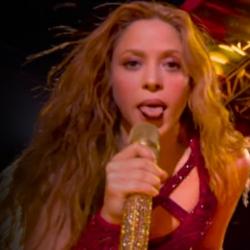 Η γλώσσα της Shakiras στο Super Bowl γίνεται... viral και οι χρήστες των social media κάνουν «πάρτυ»
