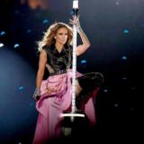 Jennifer Lopez: Η προθέρμανση και το άγχος της πριν βγει στη σκηνή του Super Bowl