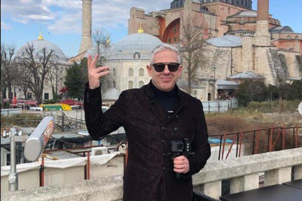 Ο Τάσος Δούσης και «Εικόνες» ταξιδεύουν στο Κωνσταντινούπολη