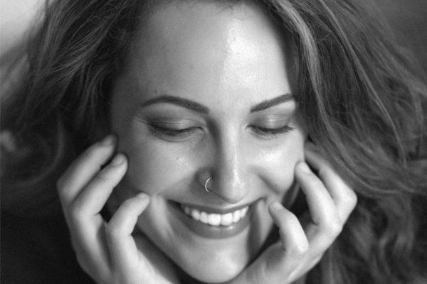 Η Λόλα Γιαννοπούλου στη μουσική σκηνή – Σφίγγα