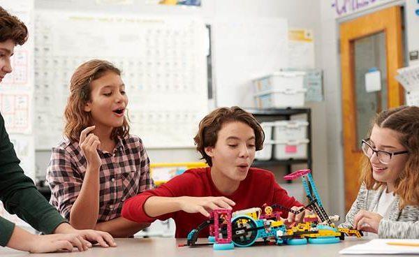 City of Robots ǀ Εκπαιδευτικά προγράμματα STEM Education και πίστες WRO στη μεγαλύτερη έκθεση ρομποτικής!