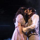 Περηφάνια και Προκατάληψη στο Θέατρο Αλκυονίς | Οι πρώτες φωτογραφίες από την παράσταση