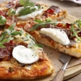 Πίτσα με ζύμη τηγανόψωμου