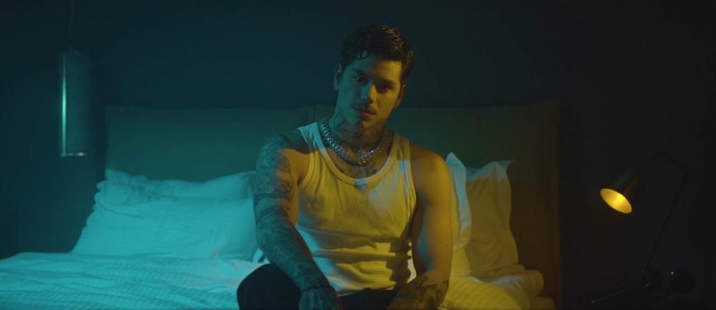 Mike - «Άφησέ Το Πάνω Μου»: Το νέο του hit έχει ένα full αισθαντικό video clip!