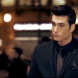 Γιώργος Κακοσαίος – «Ψέματα»: Ο γιος του Γιάννη Πλούταρχου στο πρώτο του τραγούδι