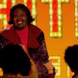Δείτε την εντυπωσιακή εμφάνιση του Λάμπη Λιβιεράτου ως Barry White στο Your Face Sounds Familiar