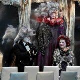 Οι καρέκλες στο Από Κοινού Θέατρο: Με μειωμένο εισιτήριο για τις γυναίκες