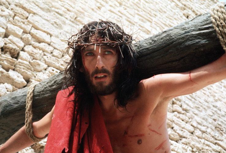 Ο Ιησούς από τη Ναζαρέτ: Δείτε πώς είναι σήμερα ο πρωταγωνιστής της σειράς, Robert Powell