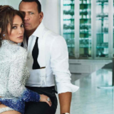 Η Jennifer Lopez φόρεσε κοντό σορτς και ήταν πιο sexy από ποτέ