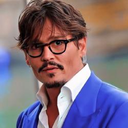 Ο Johnny Depp ζητά να καθυστερήσει η δίκη για συκοφαντική δυσφήμηση