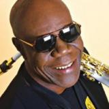 Έφυγε από την ζωή ο ο θρυλικός σαξοφωνίστας, Manu Dibango