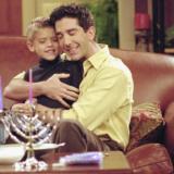 Cole Sprouse: Δείτε πόσο έχει μεγαλώσει και αλλάξει ο γιος του Ρος από τα Φιλαράκια