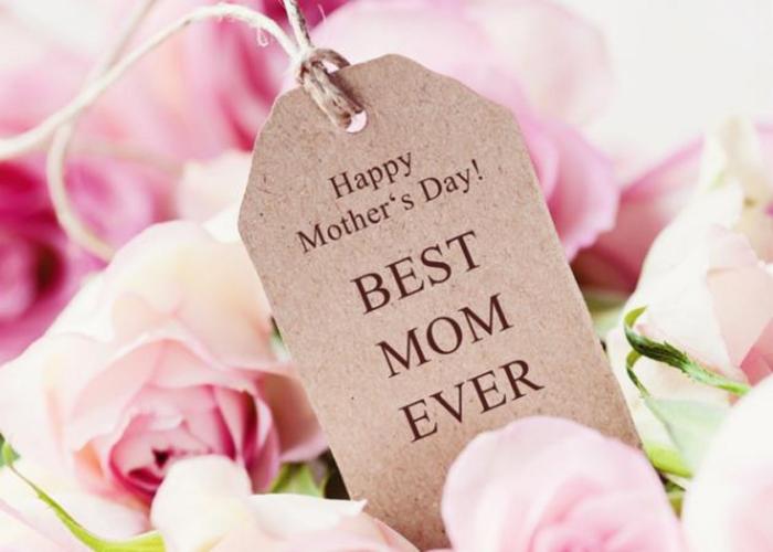 Γιορτή της Μητέρας: Οι star του Hollywood εύχονται χρόνια πολλά στις μαμάδες τους