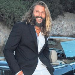 Ο Νεκτάριος Νικολόπουλος ανήρτησε φωτογραφία με χειροπέδες μετά τη σύλληψή του