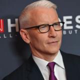 Ο ομοφυλόφιλος παρουσιαστής του CNN, Anderson Cooper έγινε πατέρας