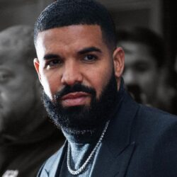 O Drake βγάζει νέο τραγούδι για την Ελλάδα