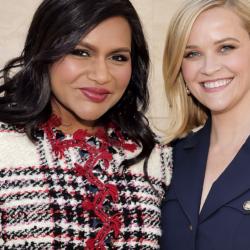 Η Mindy Kaling θα γράψει το «Legally Blonde 3» για την Reese Witherspoon