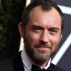 Πατέρας για έκτη φορά έγινε ο Jude Law!