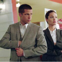 Η Angelina Jolie πούλησε μερίδιο από τον αμπελώνα που μοιραζόταν με τον Brad Pitt