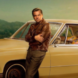 """Στο «σφυρί» τα αυτοκίνητα των Brad Pitt και DiCaprio από το """"Once Upon a Time... in Hollywood"""""""
