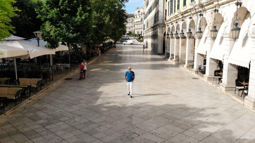 O Tάσος Δούσης και οι «Εικόνες» μας ταξιδεύουν στην Κέρκυρα