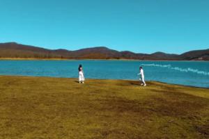 """Ο Νάσος, το μουσικό φαινόμενο της εποχής μας, επιστρέφει δισκογραφικά με νέο τραγούδι… """"Χρώμα σοκολατί"""""""