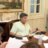 Η πρώτη ανάγνωση του «Παρουσιάστε!» με τον Γιάννη Μπέζο