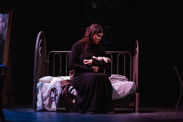 Τζόρνταν με τη Μαρία Κορινθίου στο Βεάκειο Θέατρο Πειραιά
