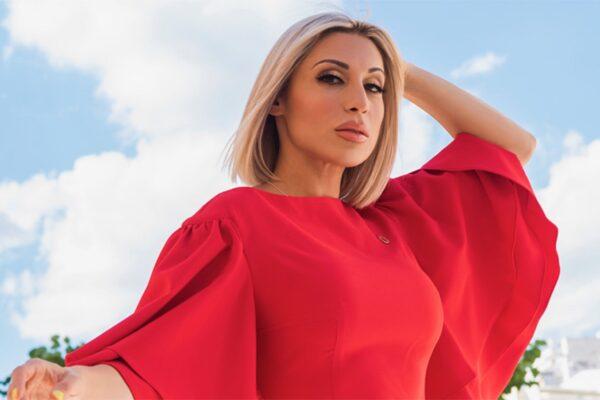Μάγια μου 'χεις κάνει: Η Μαρία Καρλάκη τραγουδά το απόλυτα δυναμικό, χορευτικό hit του καλοκαιριού