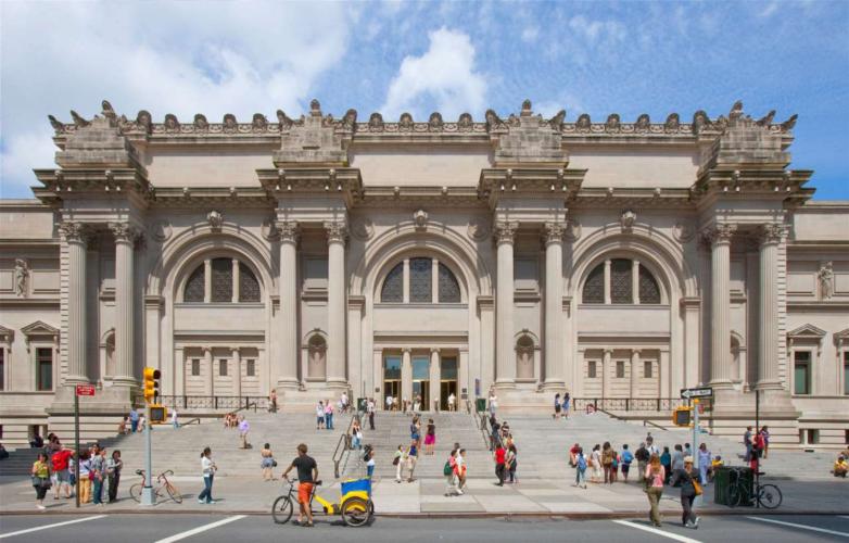 Το Met της Νέας Υόρκης ανοίγει ξανά τις πόρτες του