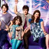 """Οι Wizards of Waverly Place αναπαριστούν το """"Crazy Funky Hat"""" 8 χρόνια μετά το τέλος της σειράς"""