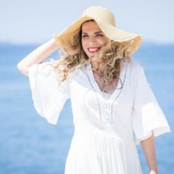 Μάγεψε η Βιολέτα Ίκαρη στο «Στην υγειά μας ρε παιδιά!»