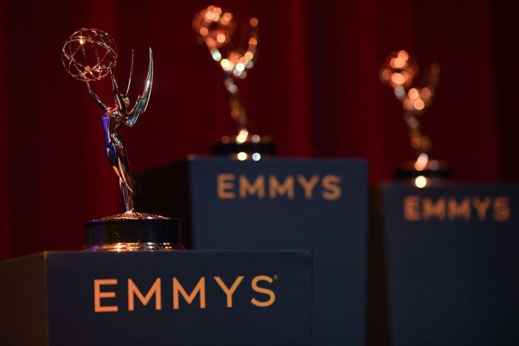 Βραβεία Emmy: Σάρωσαν The Crown και The Queen's Gambit