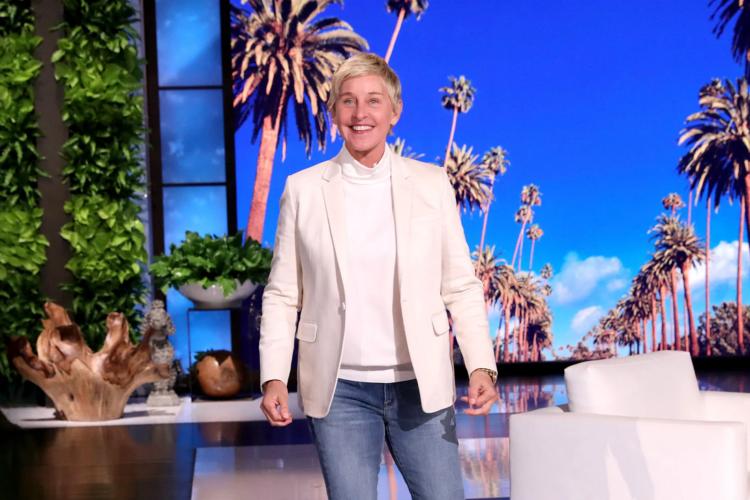 Η Ellen DeGeneres έκανε πρεμιέρα ζητώντας δημόσια συγγνώμη μετά το σάλο που δημιουργήθηκε γύρω από το όνομά της