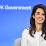 Παραιτήθηκε η Amal Clooney από σύμβουλος της κυβέρνησης Johnson