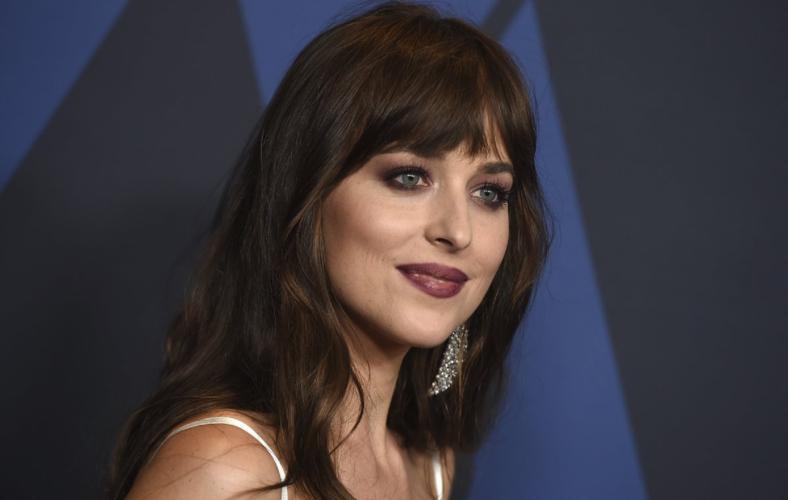 Streaming υπηρεσίες «σφάζονται» για τη νέα σειρά με την Dakota Johnson