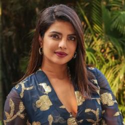 Η Priyanka Chopra έκανε στα μαλλιά της την αλλαγή που θα λατρέψεις