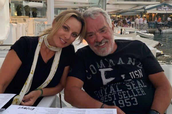 Η φωτογραφία του Γιώργου Λύρα με την κόρη του και το σχόλιο για την ομοιότητα με την Πέγκυ Ζήνα