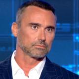 """Γιώργος Καπουτζίδης: """"Βίωσα την καραντίνα με τον σύντροφό μου στην Αίγινα"""""""