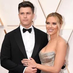 Η Scarlett Johansson παντρεύτηκε μυστικά τον σύντροφό της Colin Jost