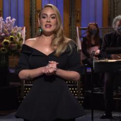 Οι αδημοσίευτες φωτογραφίες της Adele από την ανανεωμένη εμφάνισή της